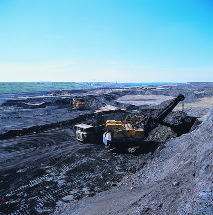oil_sands_open_pit_mining.jpg